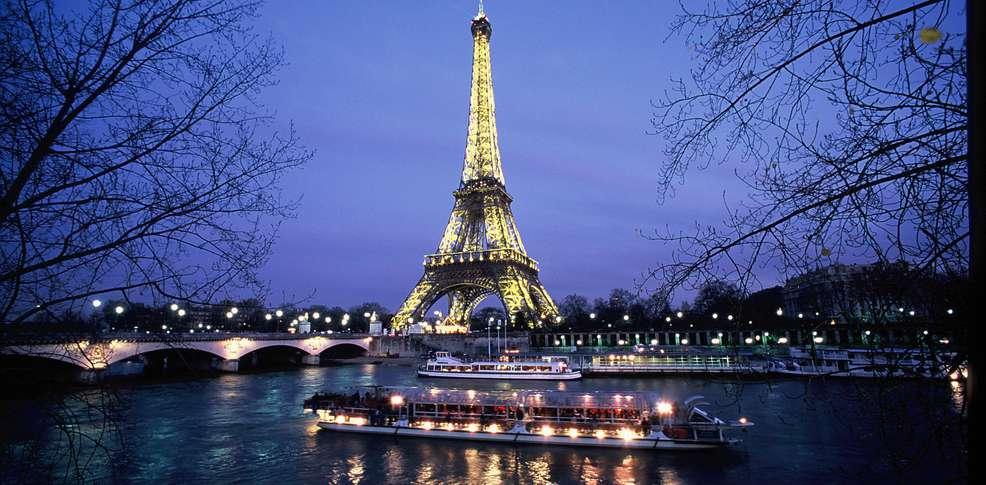 Paris Tour efel Nuit
